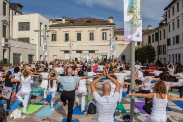 Treviso Yoga Day 2014 Piazza Università Treviso