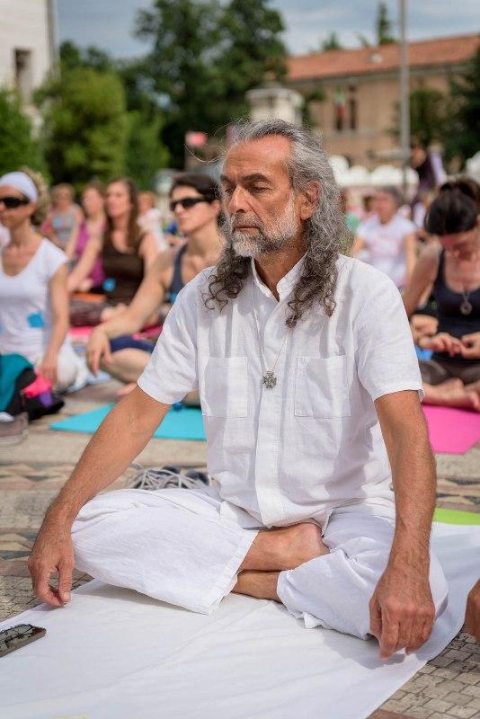 Nello Tonetto del Centro Estrada, Giornata Mondiale dello Yoga a Treviso