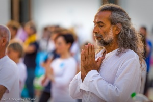 YogaDay-TV_2014-6007web.jpg